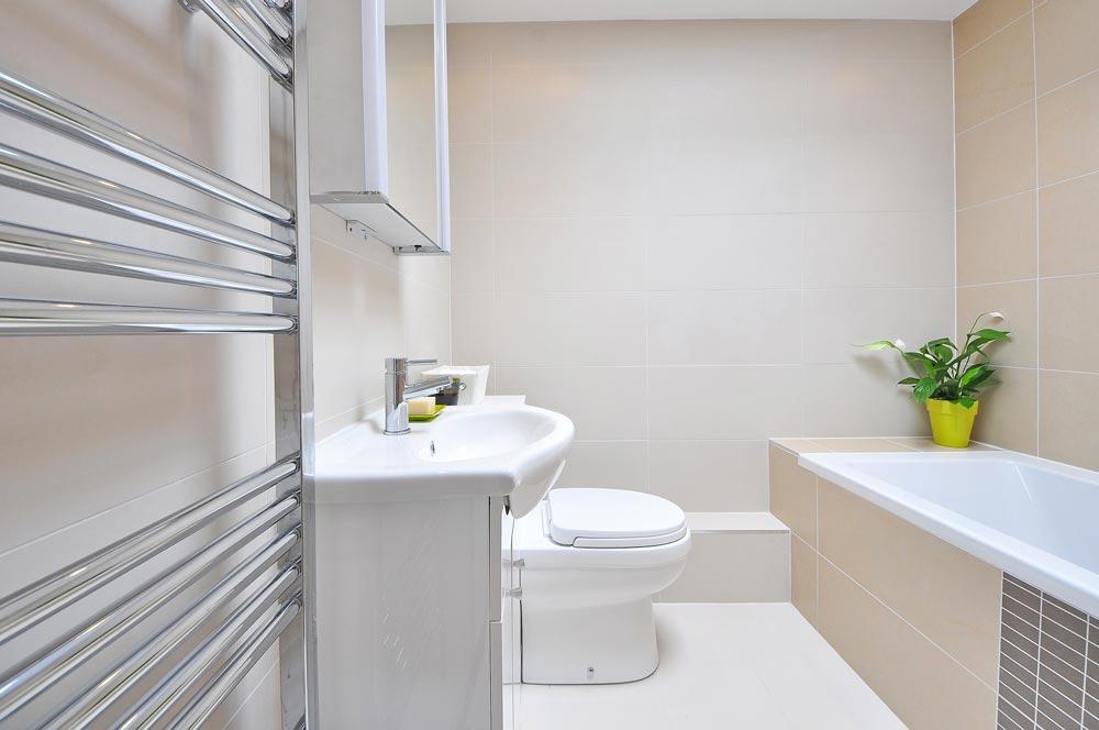 La funcionalidad y el almacenaje en las reformas de baño