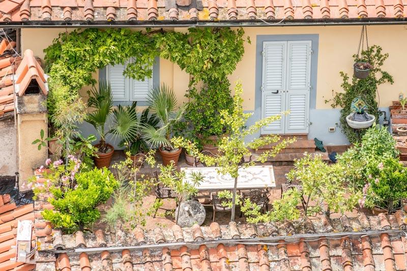 Reforma de terraza: Práctica y resistente para toda la familia