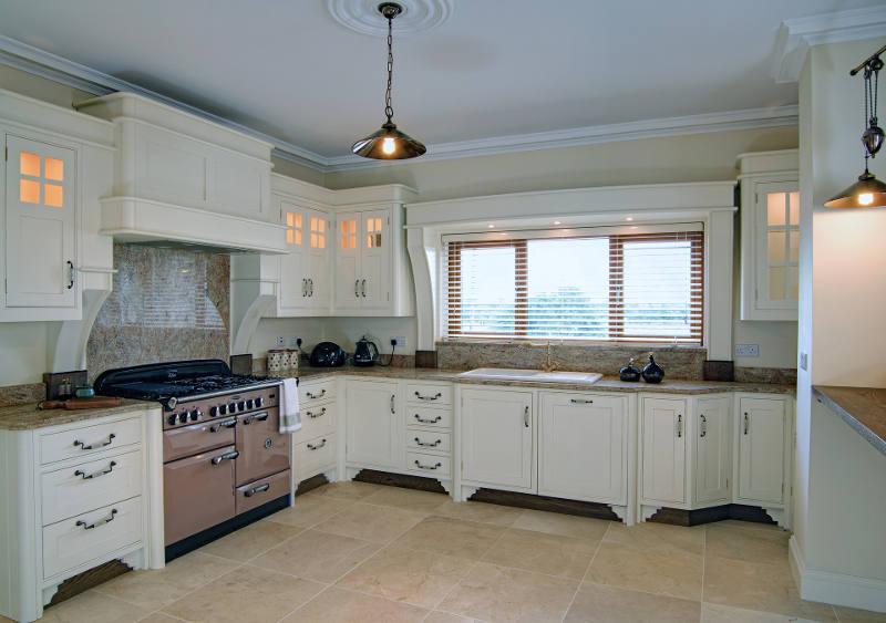 Mobiliario de una cocina y electrodomésticos