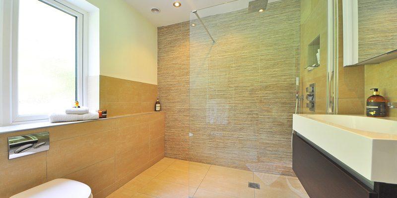Reforma tu baño: Los 3 tipos de platos de ducha más recomendables