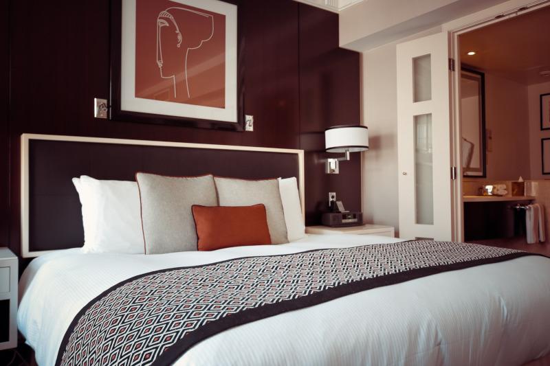 Revalorización del hogar con paredes lisas