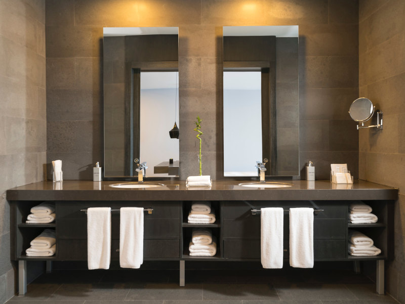 Una reforma de baño con estética moderna