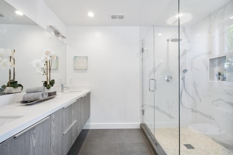 ¿Ahorro económico en la reforma de baño?