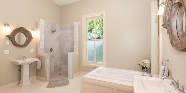 ¿Bañera o plato de ducha?