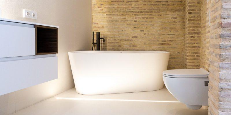 Reforma de baño: Cómo tener bañera y ducha a la vez