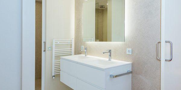 Reformas de baño: Beneficios de una reforma integral